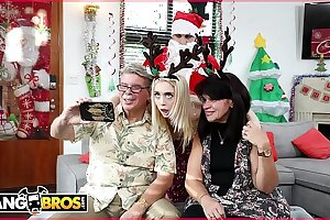 BANGBROS - Smallish Youthful Towheaded Anastasia Knight Penetrated By Sloppy Santa Claus!