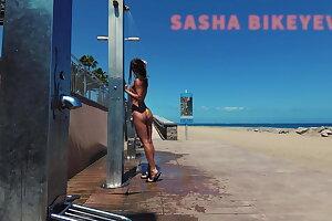 TRAVEL NUDE - Public beach shower. Sasha Bikeyeva.Canaries
