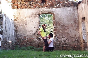 Blowjob in the ruins